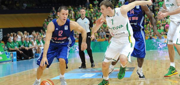 Nate Reinking GB vs Lithuania at Eurobasket