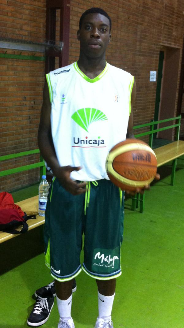 Mo soluade signs with unicaja malaga for Unicaja oficinas malaga