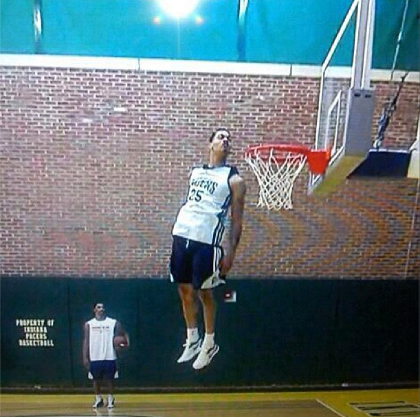 Gerald Green Whole Head Above the Rim!!