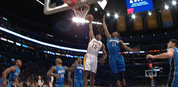 Metta World Peace Dunks on Moe Harkless