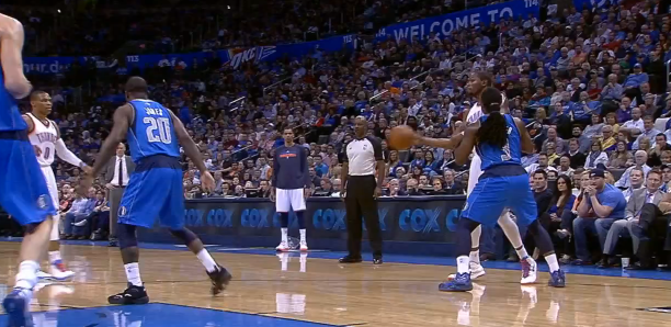 Kevin Durant No Look Bounce Pass to Kevin Martin