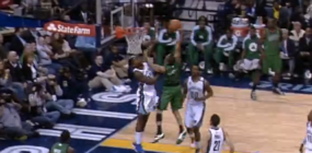 Post image for Avery Bradley HAMMERS the Dunk on Ed Davis!
