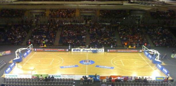 Sharks Upset Riders to Win BBL Trophy