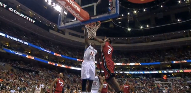 Jrue Holiday dunks on Lebron!