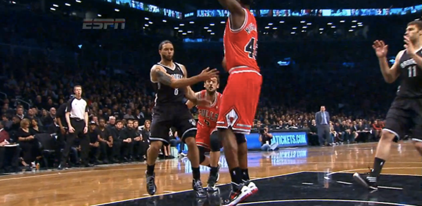 Deron-Williams-No-Look-Pass