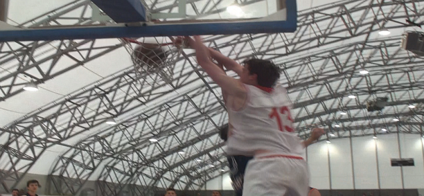 Post image for Ben Lawson Dunks on OKK Spars & Catches Lob vs INSEP!