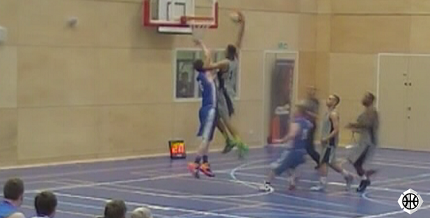 Reece Turner dunk for Warwickshire Wizards