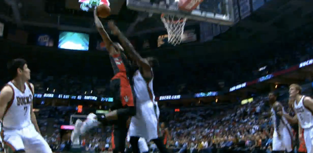 Rudy-Gay-Dunk-on-Larry-Sanders