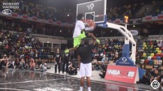 Justin Darlington Midnight Madness DUnk Contest