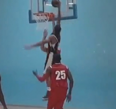 Nick-Moore-dunk