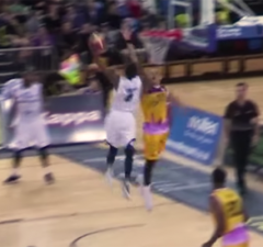 Jeremy Smith dunk