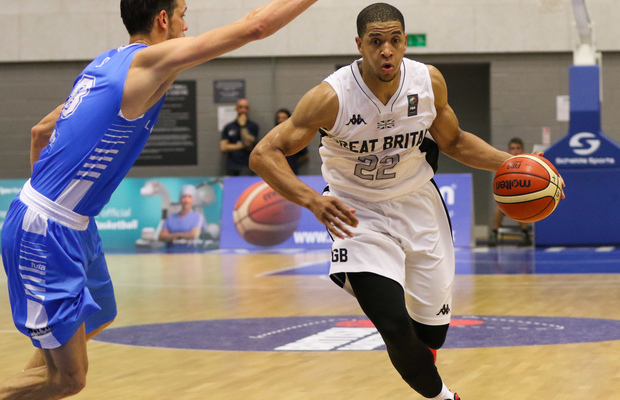 Myles Hesson re-signs for second year at Elan Chalon