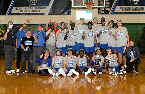 Bradley Day Des Moines Community College championship